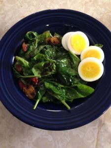 spinach salad w:egg Plated1
